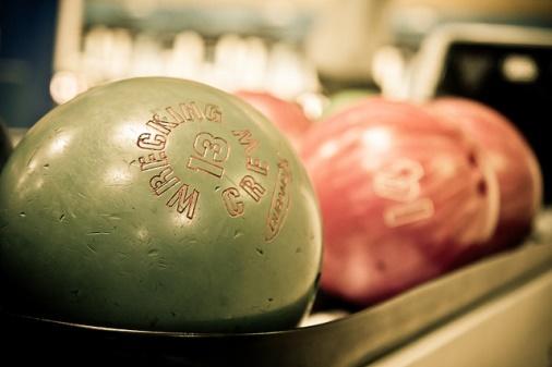 Boule de bowling (crédits : Joonas Tikkanen, via Flickr)