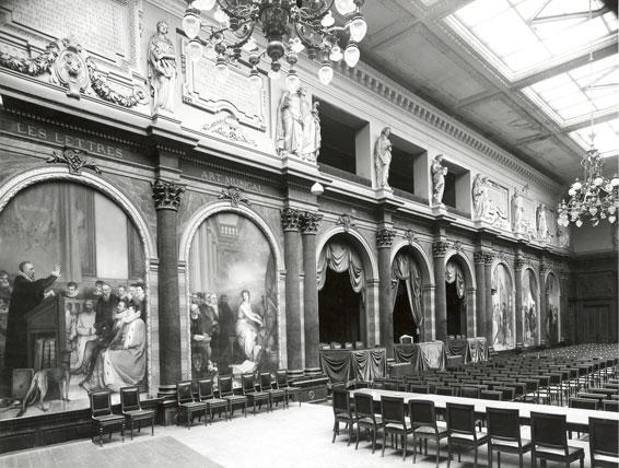 La salle du Trône, avant restauration (crédits : IRPA/KIK)