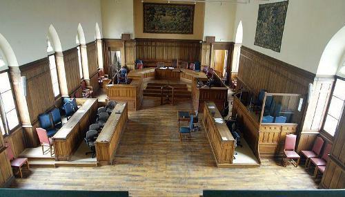 Salle de la cour d'assises de Laon (crédits François Nascimbeni/AFP, via LeFigaro.fr)