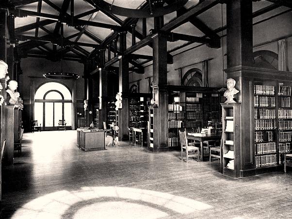 Mills College, intérieur de bibliothhèque, s. d. (crédits : landmarkscalifornia.org)