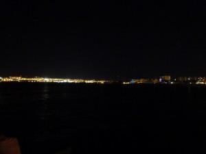Blick übers Rote Meer von Aqaba nach Eilat