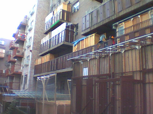 sukkot in williamsburg by http://www.flickr.com/photos/boojee/ CC.