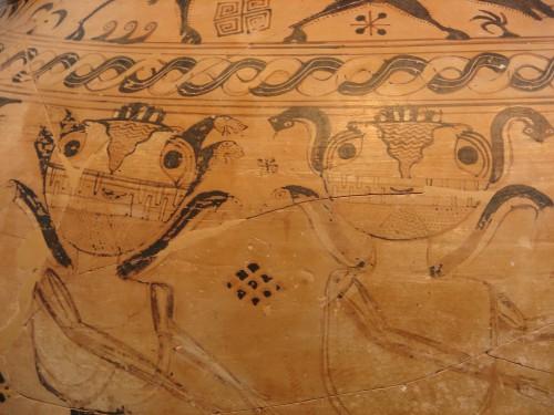 Fig. 1 – Amphore protoattique attribuée au Peintre de Polyphème, d'Eleusis. 680-670 av. J.-C. Musée archéologique d'Eleusis, n° inv. 2630 - © Creative Commons, Photo by Richard Pianka - https://www.flickr.com/photos/rpianka/466355047/