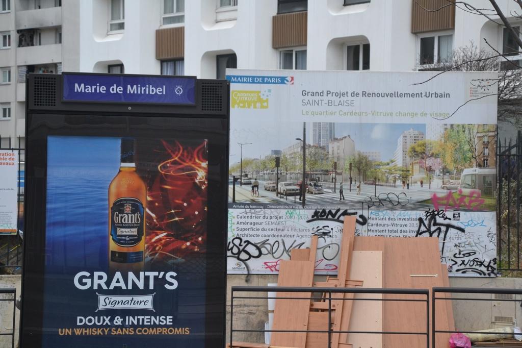 Tramway et renouvellement urbain : le T3 irriguedes quartiers en plein essor (L. D., 2015)