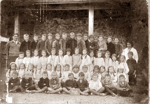 L'école de Lesneut, 1935