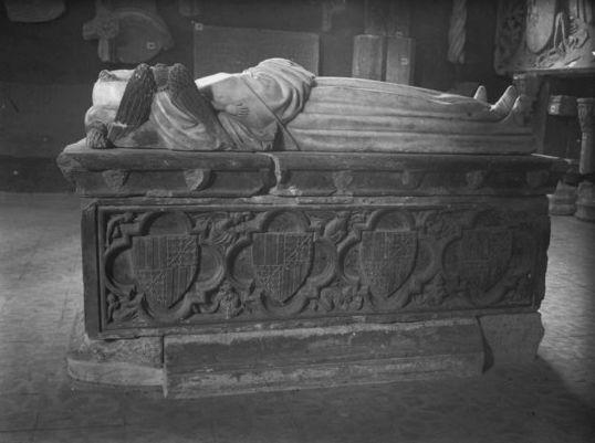 Sepulcro de Pedro Fernández de Híjar (Archivo Municipal, Zaragoza)