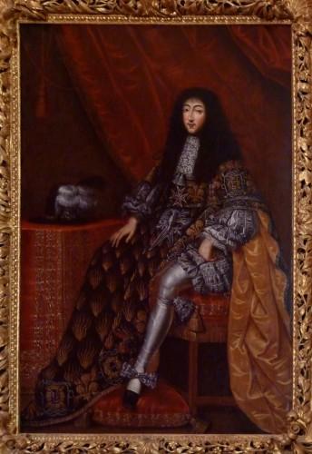 El duque de Orléans, revestido con el hábito de la orden