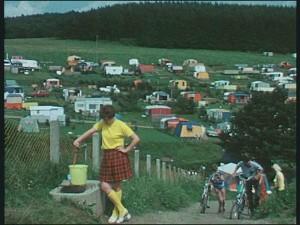 """An den Talsperren des märkischen Sauerland konnte der gestresste Großstädter seinen Campingwagen aufstellen…(Quelle: Film """"Rund um das Ebbegebirge"""")"""