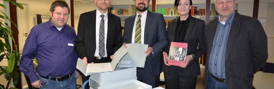 Wissenschaftlicher Nachlass Margit Naarmanns an das Stadt- und Kreisarchiv Paderborn übergeben