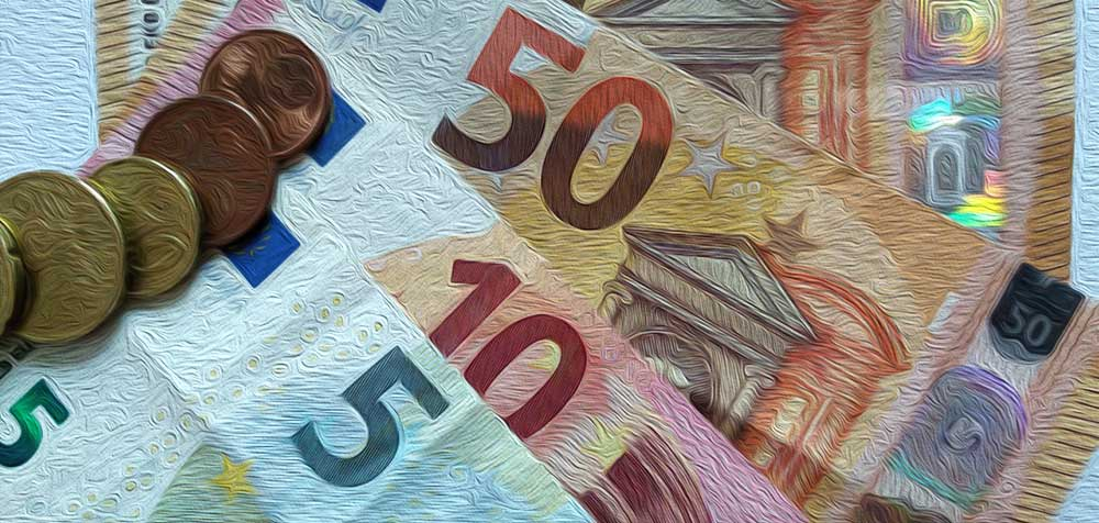 Stilisierte Ansicht von Geldscheinen und Münzen