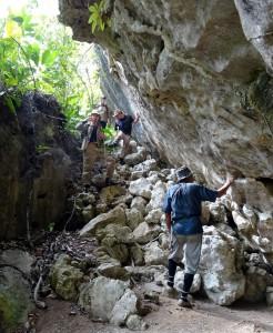 Prospections dans le karst : Liang Tunguy