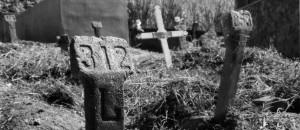 Cova no cemitério de Juiz de Fora onde estava enterrado Milton Soares de Castro, morto sob custódia dos militares na ditadura - Henrique Viard/Divulgação