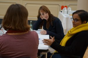 Host Qudsiya Kontraktor talks discusses x with our Science Reporters Malina Emmerink and Kristin Oswald.