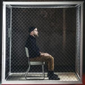 Bailey en cage