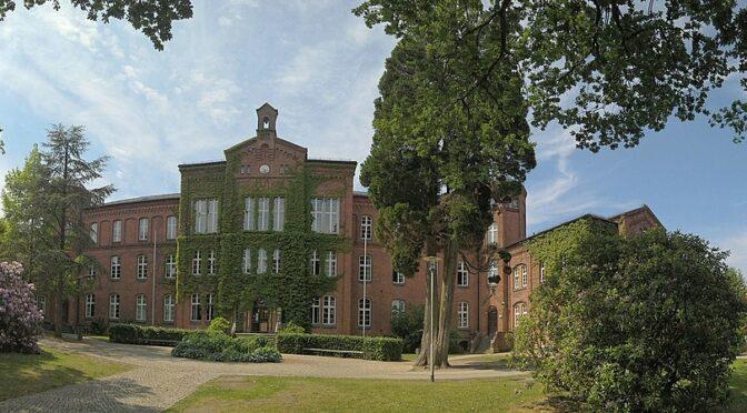 Bibliothek des Niedersächsischen Internatsgymnasiums, Bad Bederkesa