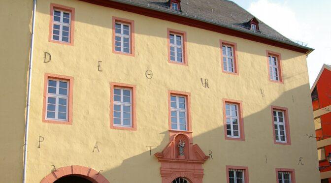 Die Schatzkammer: Die ehemalige Jesuiten-Kolleg-Bibliothek