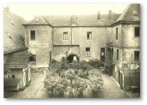 Innenhof der Burg, um 1930