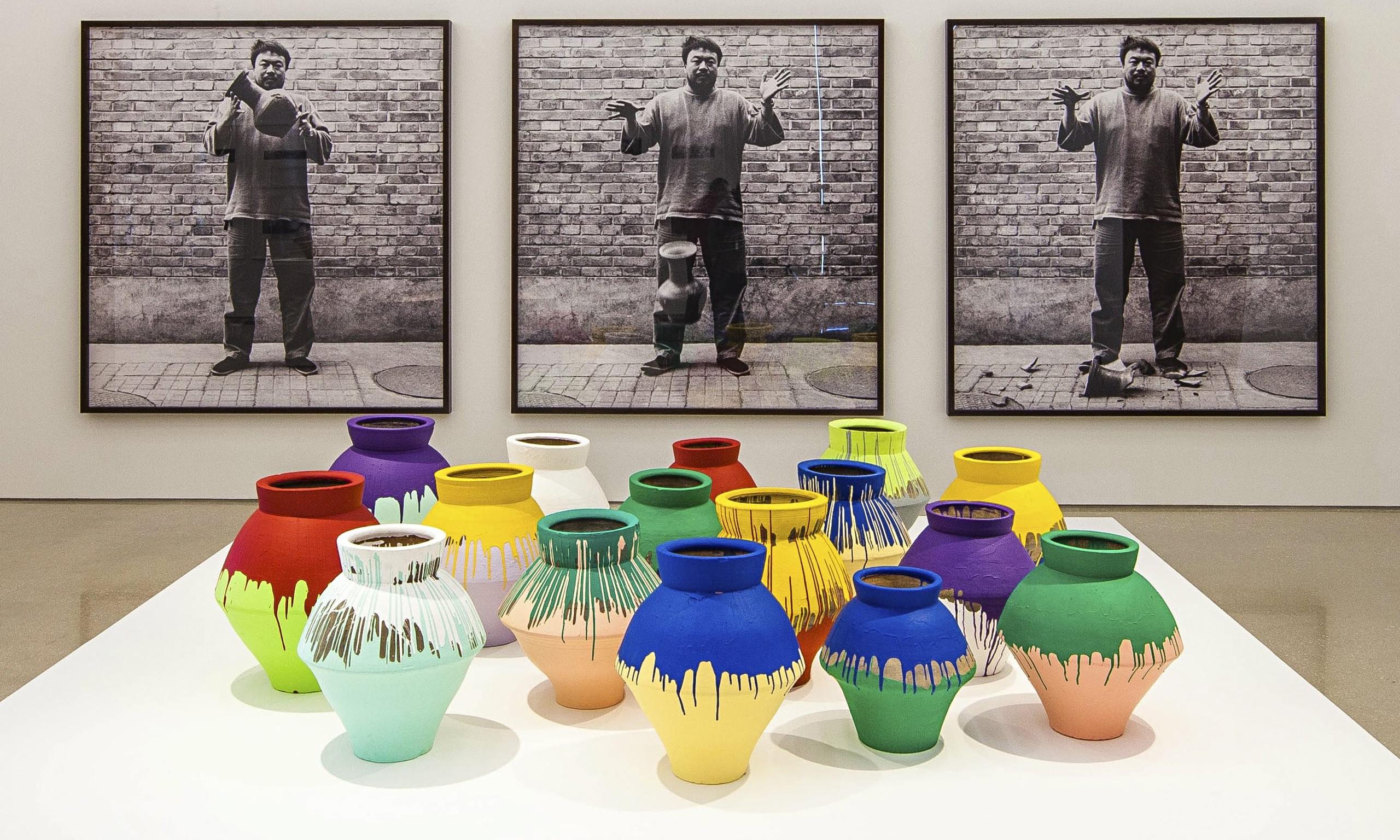 """Exposição """"Ai Weiwei: According to What?"""" Miami, Perez Art Museum, 2014."""