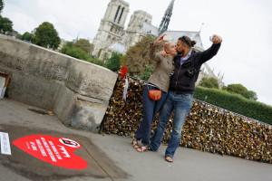 Pont de l'Archevêché: des selfies plutôt que des cadenas Nicolas Matthieu, 2014, 13 ago.