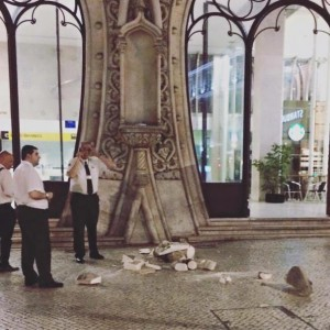 Estátua de D. Sebastião destruída Foto: DR / Expresso