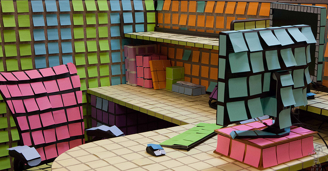 Office Cube with Post-It Notes - Michael Arrighi  (CC BY 2.0)
