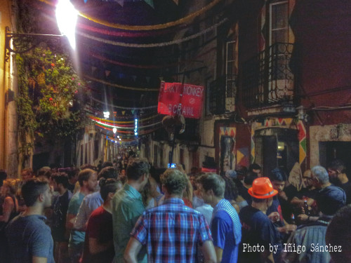 Pup crawl: where a group of people will try to visit as many pubs as possible in one night, having a set number of alcoholic beverages in each (source: urbandictionary.com).  Bairro Alto (Lisbon).  August 8, 2014.