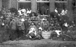 VereinslazarettVerwundete1915a