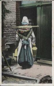digitales FotoBild 393 - Milchfrau an der Haustür -