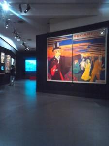 Exposition Cinéma Premiers Crimes, enfilade des sections menant à la salle de projection. Copyright: S.E. LOUIS