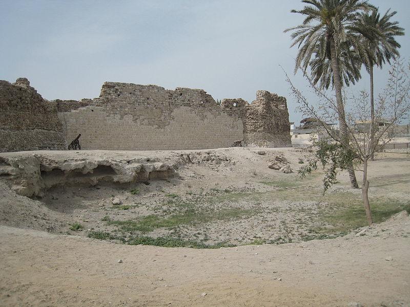 800px-Castle_Portuguese,_Qeshm_1390_(4)