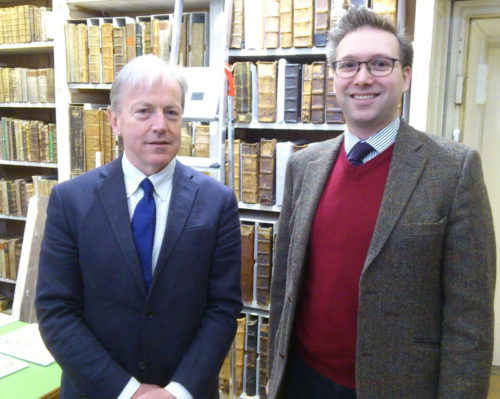 S.E. Botschafter Tom Hanney und Stiftsarchivar Maximilian Alexander Trofaier