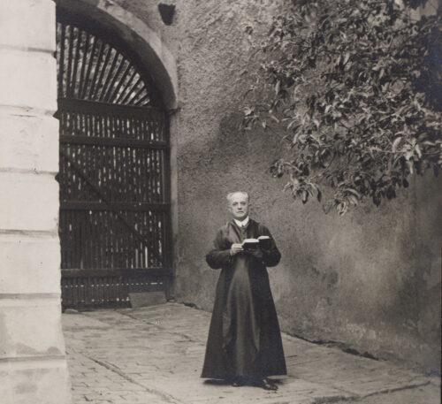 Pfarrer P. Constantin Vidmar in Gaweinstal (Gaunersdorf) (um 1930).