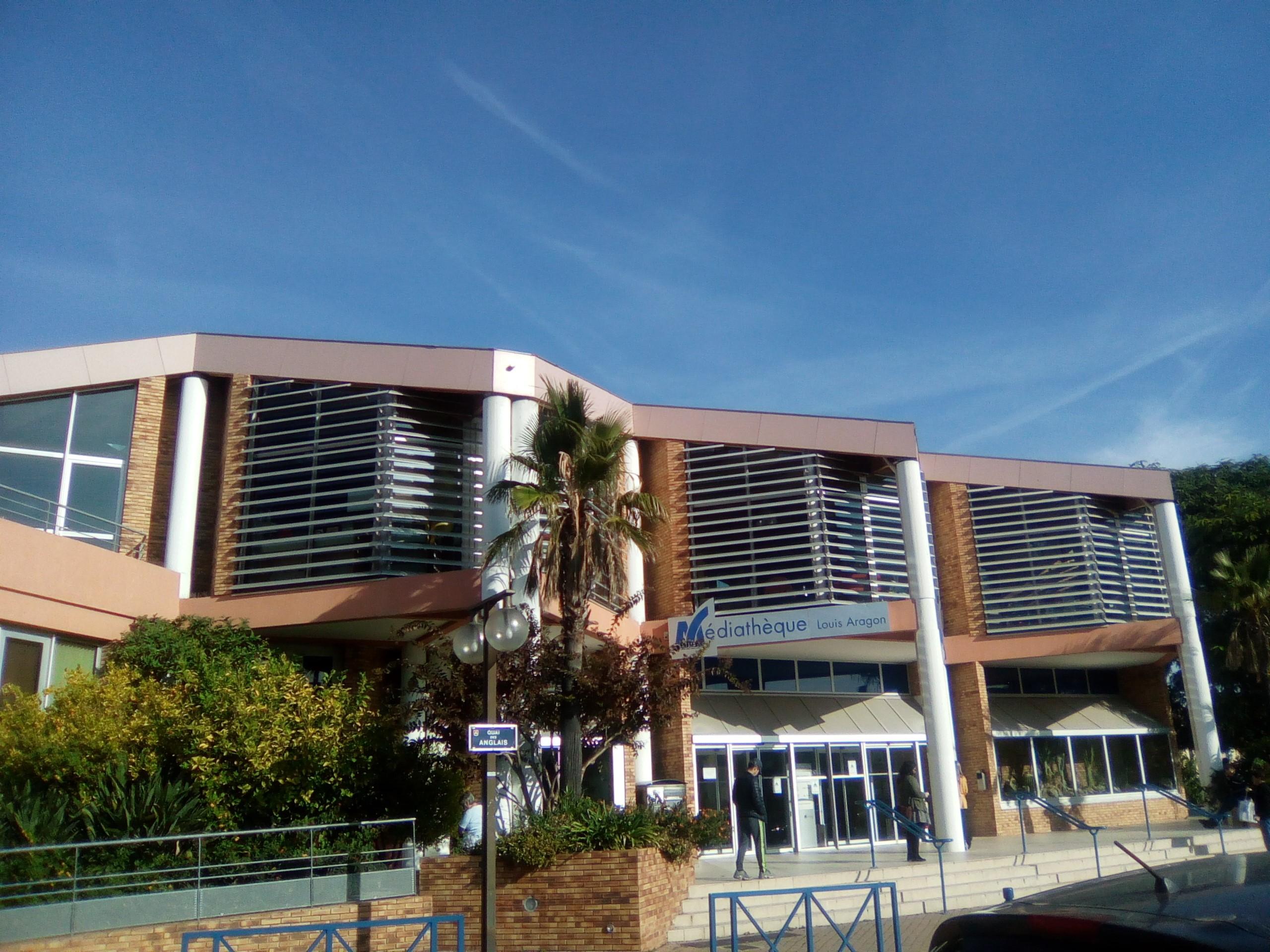 facade-media