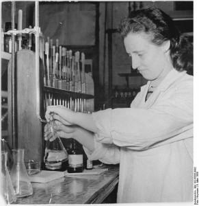 VEB Berlin-Chemie, Auszeichnung von Frauen
