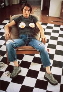 Sarah Lucas, Selbstporträt mit Spiegeleiern, 1996 von Selbstporträts 1990-1998, 1999, Scottish National Gallery of Modern Art © the artist, courtesy Sadie Coles HQ, London