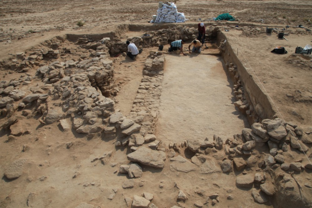 Fig. 3 : fouille du secteur A4 d'al-Quṣūr en 2014 (photo J. Bonnéric, MAFKF 2014)