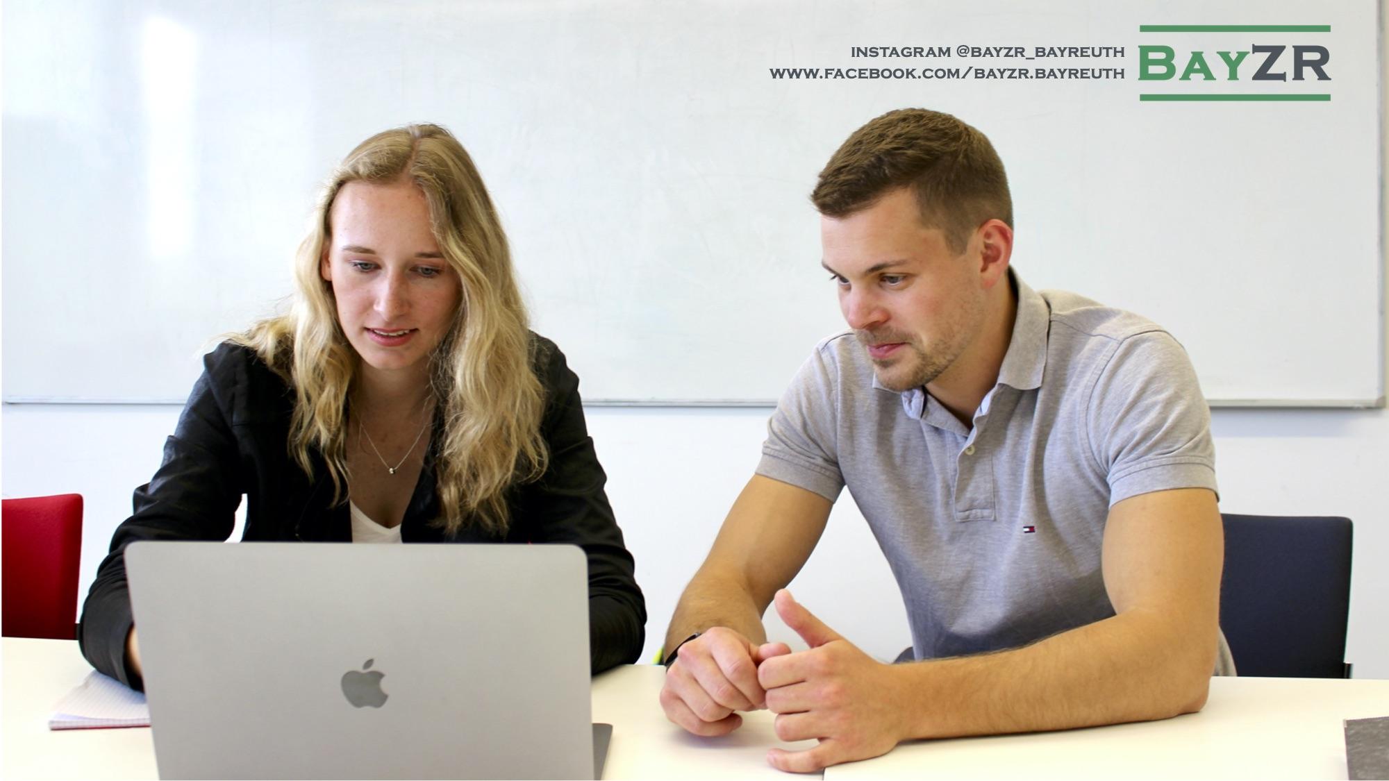 Bayreuther Studierende der Rechtswissenschaft haben die studentische, rechtswissenschaftliche Zeitschrift BayZR gegründet.