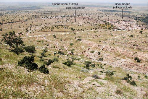 Figure 6 : Tinouaïnane n'Ufella. Vue des vestiges vers le sud.