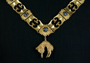 Collier de l'ordre de la Toison d'or, Pays-Bas bourguignons, troisième quart du XVe siècle, Vienne, Kunsthistorisches Museum.