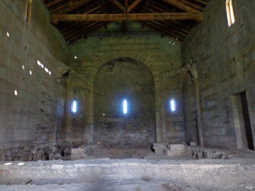Figure 7. San Parteo de Mariana (Lucciana, Corse), intérieur, abside et voûtes latérales.