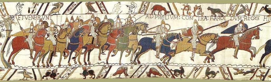 """Tapisserie de Bayeux, Scène 48, La cavalerie normande se met en mouvement lors de la bataille d'Hastings, Musées de la ville de Bayeux """"Et venerunt ad prelium contra Haroldum rege(m)"""" [et (les soldats) allèrent au combat contre le roi Harold]"""