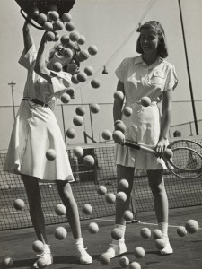 Hermann Landshoff, Tennis balls with models Wanda Delafield and Peggy Lloyd, c. 1945