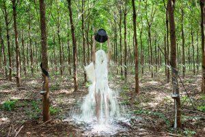Khvay Samnang, Rubber Man 2014 (extrait de la vidéo)