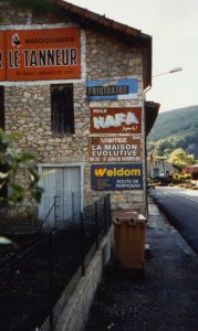 Publicités murales, Ariège, 2001