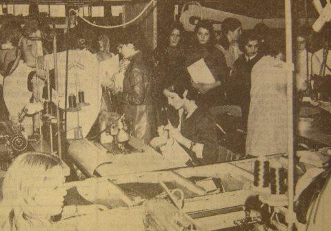 Ouvrières piqueuses des établissements Ramonède à Colomiers. La Dépêche du Midi, édition Toulouse, 5 novembre 1972