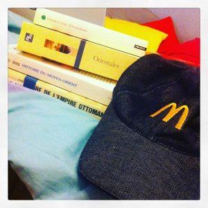 Entre lectures poue mon mémoire et travail chez McDonald's Tous droits réservés, Béatrice Vogley.