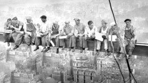 Charles Clyde EBBETS (1905-1978), Lunch Atop a skycraper (Déjeuner au sommet d'un gratte-ciel), 20 septembre 1932