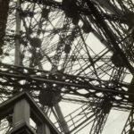 Germaine KRULL (1897-1979), Tour Eiffel, 1927, épreuve gélatino-argentique, 22,3 x 15,7 cm, collection