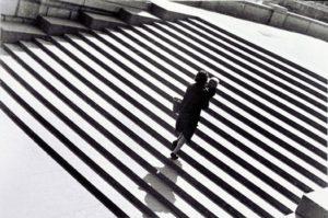 Alexandre RODTCHENKO (1891-1956), L'escalier, 1930, épreuve gélatino-argentique, 29,6 x 42 cm, Paris, Centre ompidou, MNAM-CCI