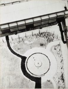 Laszlo MOHOLY-NAGY (1895-1946), Vue de Berlin depuis la tour de la radio, 1928, épreuve gélatino-argentique collée sur carton, 24,5 × 18,9 cm, Paris, Centre Pompidou, MNAM-CCI